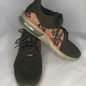 Nike New Airmax Olive Green Athletic Tennis Shoes